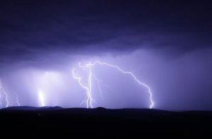 雷の位置を、音速と秒速で学ぶ