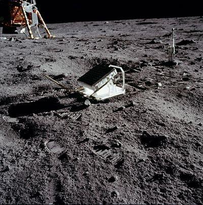 アポロ11号により設置されたレーザー反射鏡