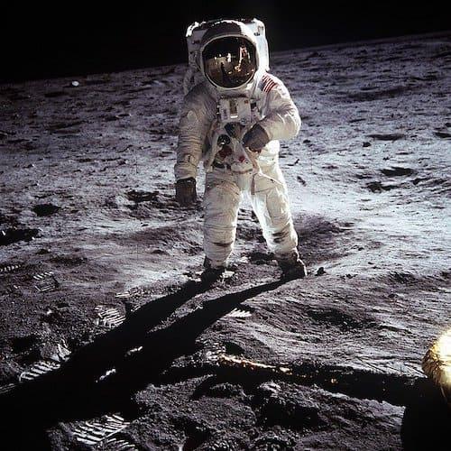 月面着陸した宇宙飛行士